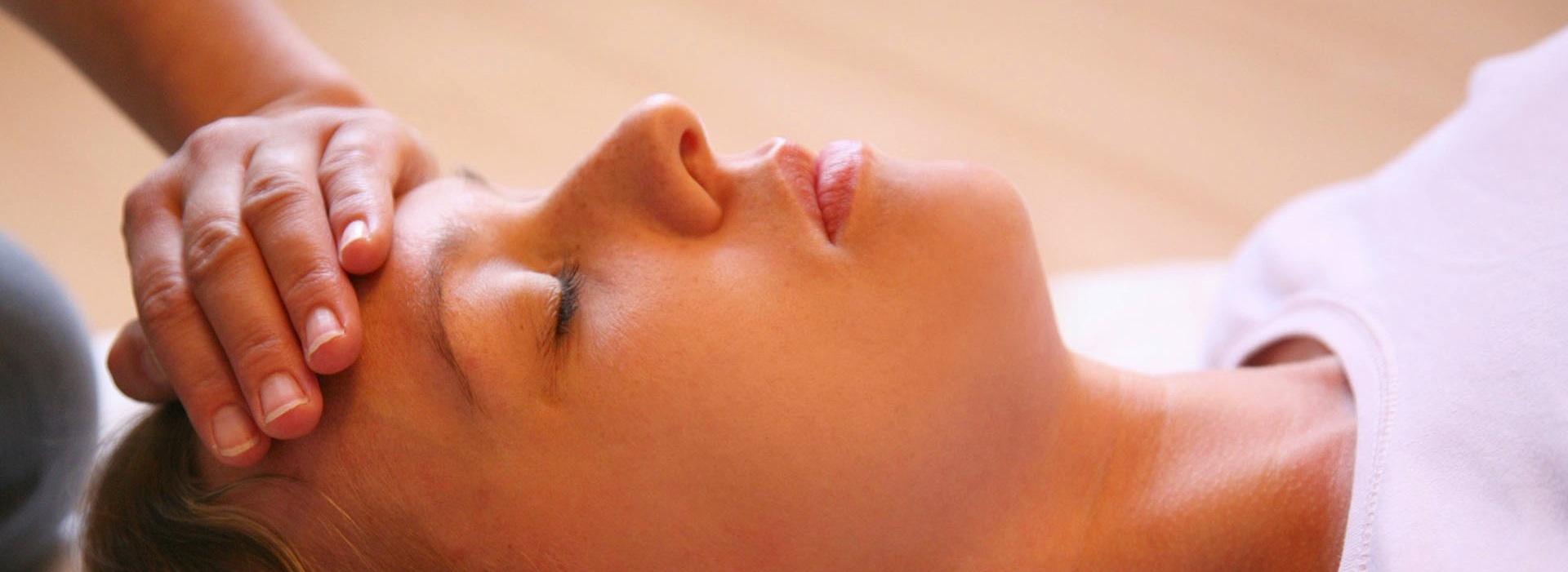 massage tête - ecole de massage sensitif belge